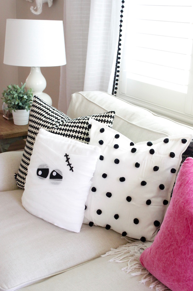 DIY Halloween Mummy Pillow