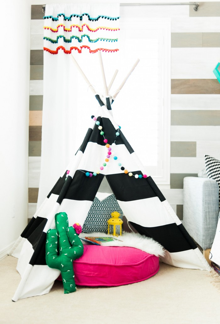 playroom tee pee