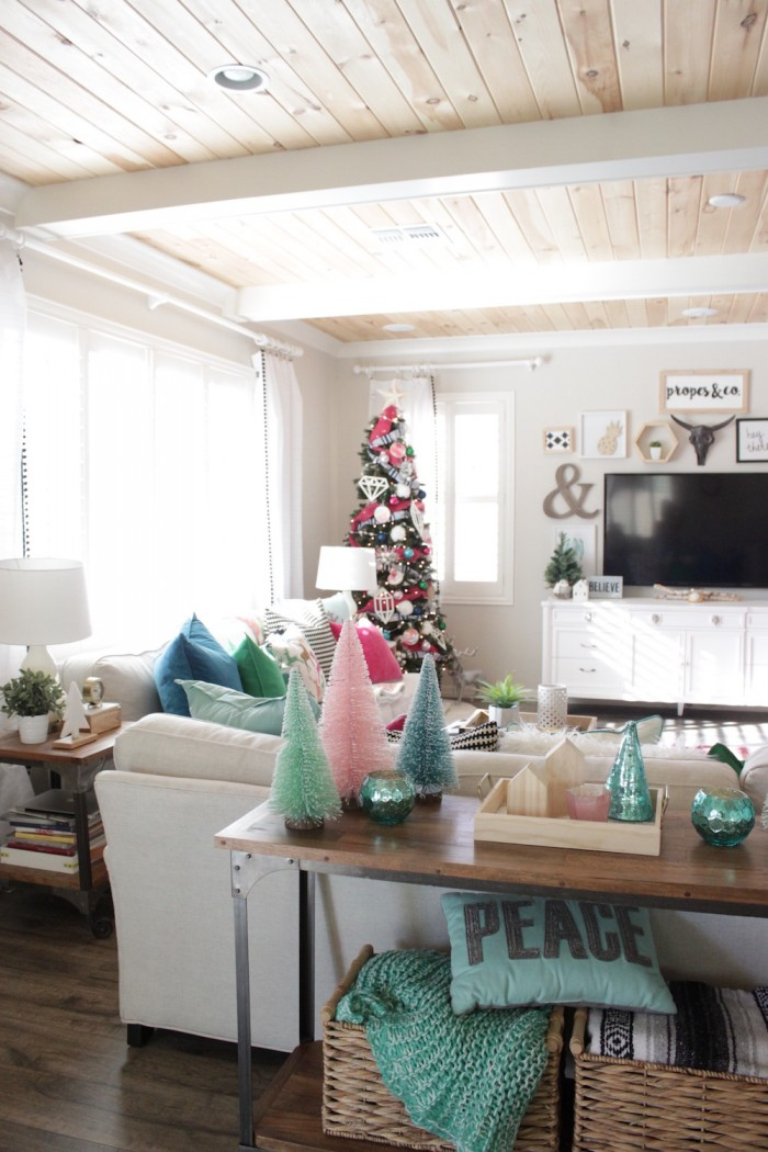 Holiday House Tour 12