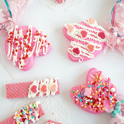 Valentine's Day DIY Marshmallow Peep Pops & Cookies